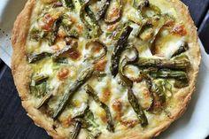 Swiss Mushroom Asparagus Quiche   The Kitchen Magpie Asparagus Quiche, Mushroom Quiche, Egg Dish, Quiche Recipes, Magpie, Vegetable Pizza, Vegan Vegetarian, Breakfast Recipes, Vegan Recipes