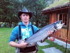 Hovenøran: Bård Thuve med laks på 6,5 kilo, tatt med flue på Hovenøran 28. juni. (Foto: Privat)