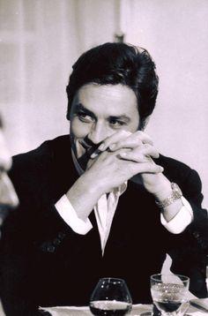 Alain Delon, 1960 by klimbims Hollywood Actor, Classic Hollywood, Old Hollywood, Juliette Binoche, Isabelle Adjani, Jean Luc Godard, Violet Eyes, Romy Schneider, Brigitte Bardot