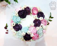 Birthday cake full of flowers <3