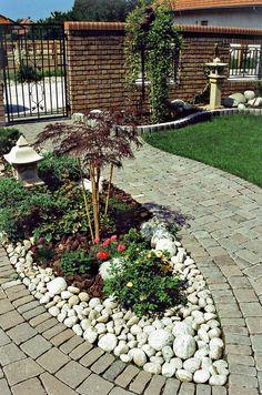 Garden Pavers, Backyard Patio, Diy Garden Projects, Outdoor Projects, Patio Deck Designs, Seaside Garden, Garden Borders, Garden Structures, Outdoor Areas