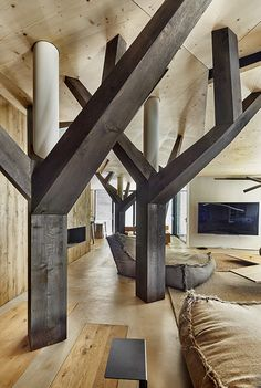 beef | Penthouse V | Interiéry Dining Table, Rustic, Architecture, Furniture, Beef, Home Decor, Country Primitive, Arquitetura, Meat