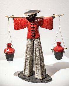 IMG_6854 Pottery Handbuilding, Raku Pottery, Sculptures Céramiques, Sculpture Clay, Ceramic Birds, Ceramic Art, Creative Arts And Crafts, Pottery Designs, Green Man