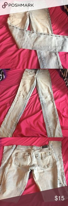 Levi's jean legging Light wash 535 legging Levi jeans . Studded on the sides. In great condition. Worn a handful of times not flaw is slight pulling see last pic. Unnoticeable when wearing them Levi's Jeans Skinny