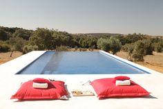 "Villa Extramuros in Attitude's special edition ""Best of Portugal"""