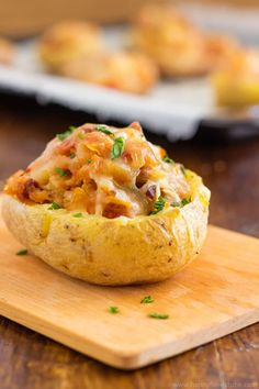 Twice baked potatoes with chorizo and cheddar. Super easy recipe full of flavors | happyfoodstube.com