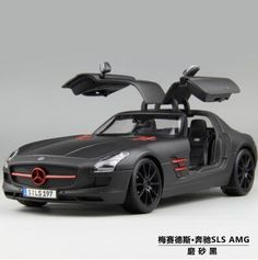 (41.42$)  Watch here - http://aihxg.worlditems.win/all/product.php?id=32667245167 - Mercedes-Benz SLS 1:18 Maisto AMG GT car model alloy diecast boy gift Collection sports car Fast & Furious Gull-wing doors