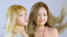 #wattpad #fanfiction Snapchat story about how two girls named Jennie and Lisa fall in love when sending snapchat streaks. -Started 4/15/17 -Ended