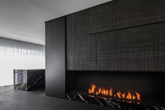 Fireplace by Belgian company Bosman Haarden. Photo by Cafeine/Thomas de Bruyne. Modern Fireplace, Fireplace Wall, Fireplace Design, Black Fireplace, Luxury Interior Design, Interior Architecture, Interior Design Living Room, Interior Decorating, Kitchen Interior
