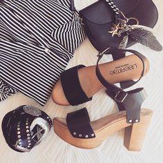 Blanco y negro - un dúo que no se pasa de moda.   #liberitae #liberitaeshoes #sienteteliberitae #look #leather #leathershoes #piel #zapatos #zapatosdepiel #moda #fashion #style #summer #sandals #sandalias #calzado