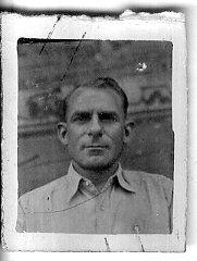 """Ernesto Baratto (Treviso, Italia, 1902). Emigrado a Australia, paga su propio viaje a España. Constructor de ferrocarrlies. Destinado a la XV BI, está en el Taller n. 78 de Madrid como oficial ajustador. Tras la guerra se instala en Nueva Zelanda donde, en octubre de 1940, es internado en Soames Island como """"nacional enemigo"""" (Periódico Common Cause"""", 1940). #Historia #History #SpanishCivilWar #GuerraCivilEspañola #BrigadasInternacionales #InternationalBrigades #España #Spain #GC #NewZealand Madrid, Australia, Art, War, Social Stories, New Zealand, Enemies, October, Voyage"""