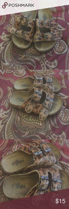 🐯 SLIDES🐯 Super cute buckle strap slides.. Ok condition!!🐯🐯🐯🐯🐯🐯🐯🐯🐯🐯🐯🐯🐯🐯🐯 Shoes Sandals & Flip Flops