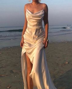 Cute Prom Dresses, Grad Dresses, Ball Dresses, Elegant Dresses, Pretty Dresses, Beautiful Dresses, Ball Gowns, Evening Dresses, Formal Dresses
