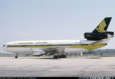 Singapore Airlines (leased from Varig Brazilian Airlines) McDonnell-Douglas DC-10-30