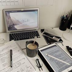Study Areas, Study Space, Study Desk, Studyblr, Study Room Decor, Study Organization, Study Pictures, Work Motivation, College Motivation