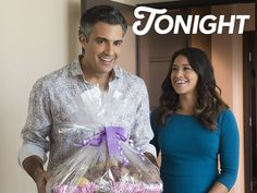 Jane finally gets her big break, but is it too good to be true? Let's see what Rogelio thinks about it on an all new #JaneTheVirgin TONIGHT