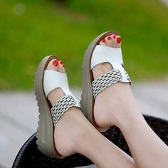 Women Shoes Genuine Leather Slippers Female Flat Sandals Casual Slip-Resistant Wedges Slip-On Fretwork Cut-Outs Shoes S4347