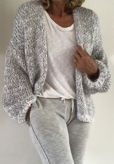 PureMe is a fashionlabel Premium handmade knitwear Designed by me, made for you. Knitwear Fashion, Knit Fashion, Mode Ab 50, Mohair Sweater, Wool Cardigan, Green Cardigan, Knitted Poncho, Easy Knitting, Knitting Sweaters