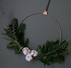 DIY minimal wreath Christmas styling inspiration minimalist Christmas