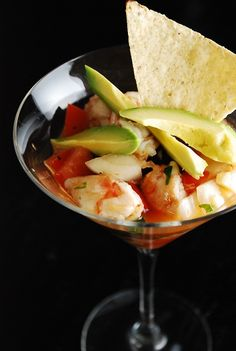 Shrimp Ceviche Recipe with Avocado – 4 Points - LaaLoosh Avocado Recipes, Fish Recipes, Seafood Recipes, Mexican Food Recipes, Appetizer Recipes, Cooking Recipes, Think Food, Love Food, Shrimp Ceviche With Avocado