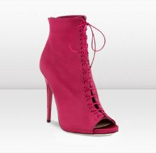 Voyage by Jimmy Choo The red hood :)