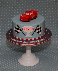 Lightning McQueen - Cake by CakeAvenue