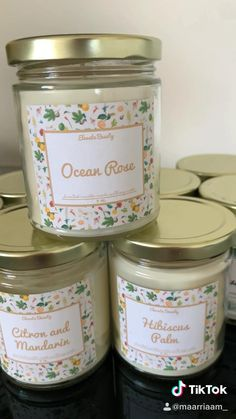 Homemade Scented Candles, Homemade Gifts, Diy Candles Video, Diy Candle Ideas, Diy Candle Projects, Diy Aromatherapy Candles, Candle Making Business, Candle Packaging, Candle Jars