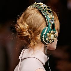 dolce and gabbana fall 2015 headphones