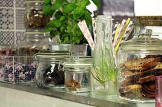 Kirpputorin lisäksi Vallilan Stoorissa toimii kahvila, jossa arvostetaan luomua ja lähiruokaa. Helsinki. Finland Travel, Helsinki