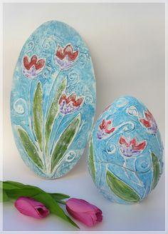 Splendido lavoro di termo pittura di Annamaria Quadretti http://www.lcdm.it/pittura/passo-a-passo/ovale-e-uovo-con-tulipani-di-annamaria-quadretti-termo-pittura/