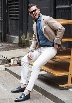 You'll be amazed at how easy it is for any guy to throw together this smart casual outfit. Just a beige blazer worn with white chinos. If you want to easily perk up this ensemble with a pair of shoes, why not introduce a pair of navy leather tassel Smart Casual Outfit, Casual Outfits, Men Casual, Gq Style, Business Fashion, Business Outfit, White Pants Men, White Chinos, White Denim