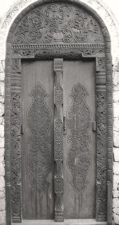 50 Shades of Grey, Romanian wooden door with traditional pattern. Cool Doors, Unique Doors, Knobs And Knockers, Door Knobs, Entrance Doors, Doorway, Gates, When One Door Closes, Grey Doors