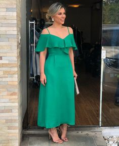 Afternoon of elegance with these Midis Girls Dresses Casual Dresses, Fashion Dresses, Girls Dresses, Bridesmaid Dresses, Prom Dresses, Summer Dresses, Pretty Dresses, Beautiful Dresses, Mode Hijab