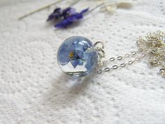 Real Forget me Not Tiny Resin Orb Necklace, Resin Orb, Resin Sphere, Pressed Flower Necklace, Eco Friendly via Etsy Floral Necklace, Blue Necklace, Dainty Necklace, Dainty Jewelry, Resin Jewelry, Jewelry Gifts, Flower Jewelry, Memorial Jewelry, Pretty Necklaces