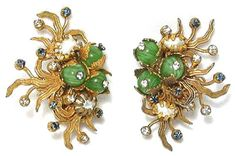 Sheila Pamfiloff is such a fan of Miriam Haskell jewelry that she co-authored (with Cathy Gordon) a book on the costume-jewelry legend and h...