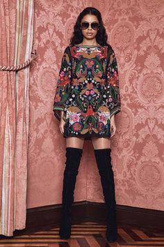 Alice + Olivia Fall 2017 Ready-to-Wear Collection Photos - Vogue Fashion Week, Fashion 2017, Trendy Fashion, Runway Fashion, Fashion Show, Womens Fashion, Fashion Design, Fashion Trends, Latest Fashion