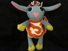 Sheep toys made fair trade in tibet ! Fabric Material, Tibet, Fair Trade, Sheep, Dinosaur Stuffed Animal, Textiles, Boutique, Toys, Handmade
