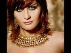 Sibel Can Is a popular Turkish folk pop singer. She is of Romani heritage. Most Beautiful Eyes, Beautiful Redhead, Pop Singers, Female Singers, Types Of Portrait, Luxury Girl, My Hairstyle, Girls With Glasses, Turkish Actors