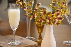 SGROPPINO  Este drinque italiano, da região do Vêneto, é servido tradicionalmente como digestivo, após a refeição. Pode ser feito com sorvete de limão ou, para uma versão mais leve, com sorbet (feito com água).  Autor: Panelinha