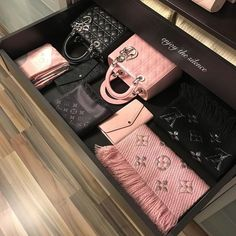 Lady Dior Bags, Louis Vuitton Scarfs / Only Me 💋💚💟💖✌✔👌💙💚 xoxo Vuitton Bag, Louis Vuitton Handbags, Louis Vuitton Scarf, Luxury Bags, Luxury Handbags, Chanel Handbags, Purses And Handbags, Dior Bags, Tote Handbags