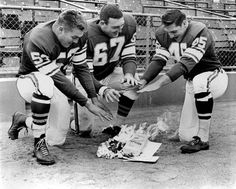 Gallery: Remember those old, cold Vikings games? Football Love, Best Football Team, Vintage Football, National Football League, Nfl Football, American Football, Football Players, Equipo Minnesota Vikings, Minnesota Vikings Football