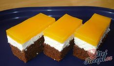 Ingenious FANTA cake with quark filling: . - Ingenious FANTA cake with quark filling: If you don& taste it, you can regret it! Easy Vanilla Cake Recipe, Easy Cake Recipes, Cookie Recipes, Puding Cake, Pudding Desserts, New Cake, Cake Toppings, Recipe For 4, Food Cakes