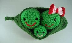 Crochet Amigurumi - Three Peas in A Pod http://www.instructables.com/id/Crochet-Amigurumi-Three-Peas-in-a-Pod/