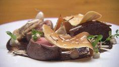 Marcus Wareing's Braised Veal with black garlic puré, onion confit Marcus Wareing, Venison, Beef, Masterchef Recipes, Dessert Original, Masterchef Australia, Black Garlic, Almond Cream, Pan Set