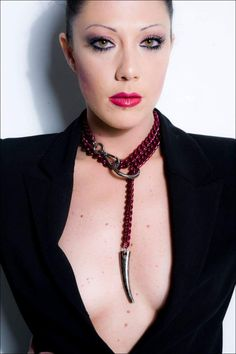 Statement Red Chain Choker Wrap Long Y Necklace with by Finerblack Leather Jewelry, Beaded Jewelry, Leather Handcuffs, Slave Collar, Ring Der O, Medieval Jewelry, Pretty Necklaces, Collar Necklace, Chokers