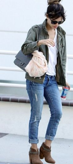 aedbffa4681 Rachel Bilson- loving the distressed jeans. Would love a pair of boyfriend  jeans and need those booties!