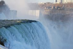 American Falls with the Niagara Falls in the background