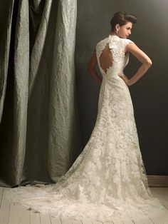 Breathtaking Vintage Lace Wedding Dresses