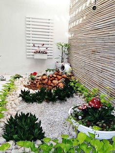 Your backyard landscaping is going to have to be about many different things but the most important one of these if your well being. Most people get into backyard landscaping because they want to change the look and feel of their home Front Yard Garden Design, Small Front Yard Landscaping, Garden Landscape Design, Backyard Landscaping, Landscaping Design, Winter Garden, Garden Planning, Garden Art, Easy Garden