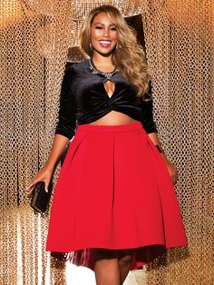 Hey There Gorgeous! Ashley Stewart is a global fashion brand that stands for uncompromising style, fashion, fit & empowerment for the woman who flaunts her curves. Fashion Line, Cute Fashion, Fashion Vintage, Fashion Brand, Style Fashion, Curvy Plus Size, Plus Size Women, Plus Size Dresses, Plus Size Outfits